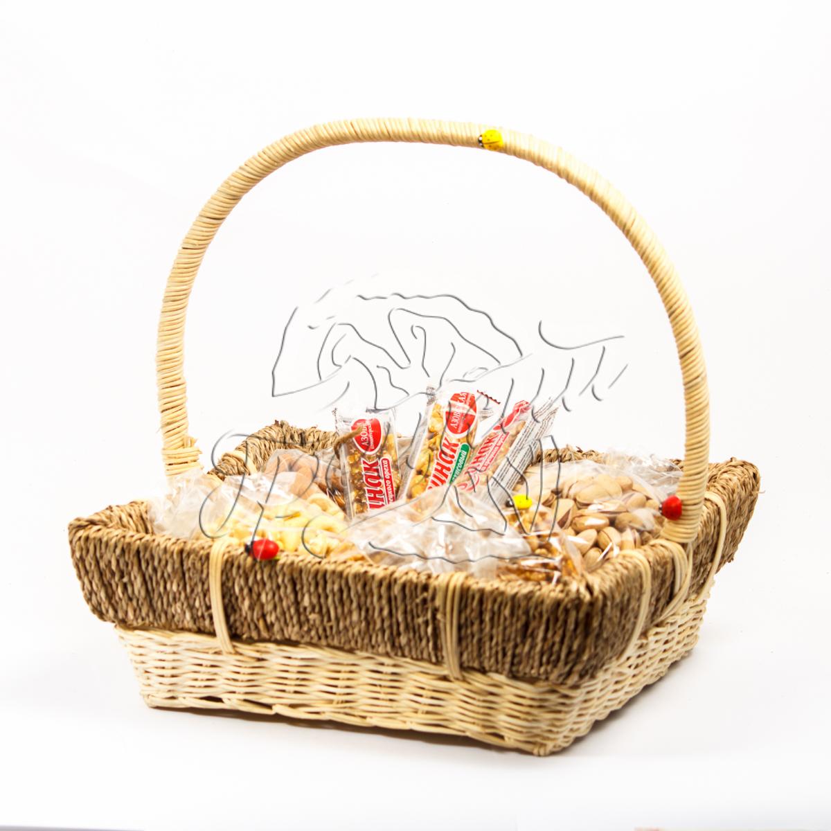 Корзина с сухофруктами и орехами в подарок 16