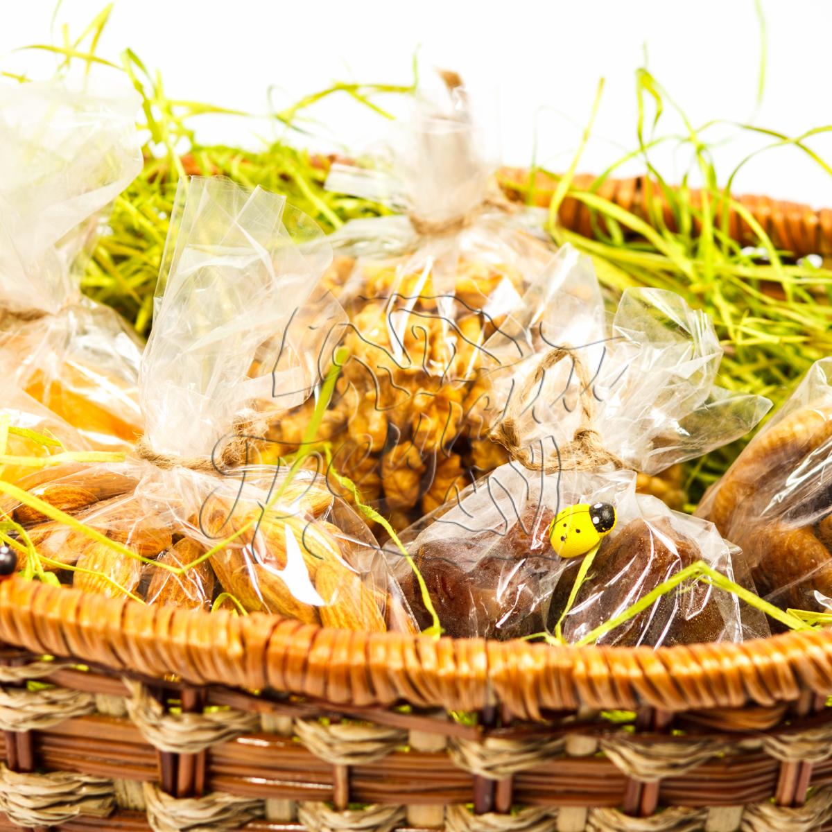 Корзина с сухофруктами и орехами в подарок 89