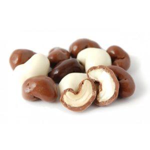 Кешью в белом шоколаде