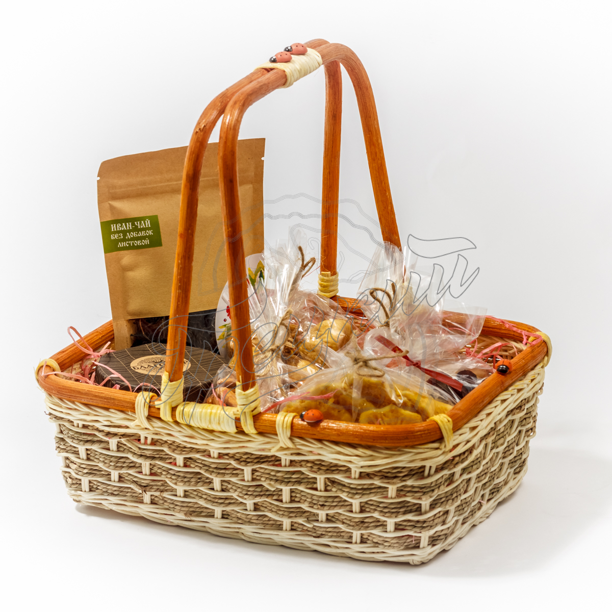 Корзина с сухофруктами и орехами в подарок 95