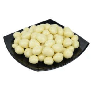 Фундук в белом шоколаде