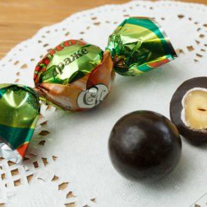 Суворовские конфеты «Драже фундук» в йогурте
