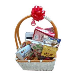 Подарочная корзина «Сладкоежка»